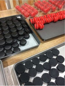 How to make perfect macarons recipe and troubleshooting   When I started out making macarons I had several failures. Now I can get tray after tray of perfect macarons every time. I'm frugal and very time poor, I can't afford to have a failed batch. Here is a brief list of what can go wrong and how to avoid issues   https://robertscakesandcooking.com/macarons-recipe-and-tips/